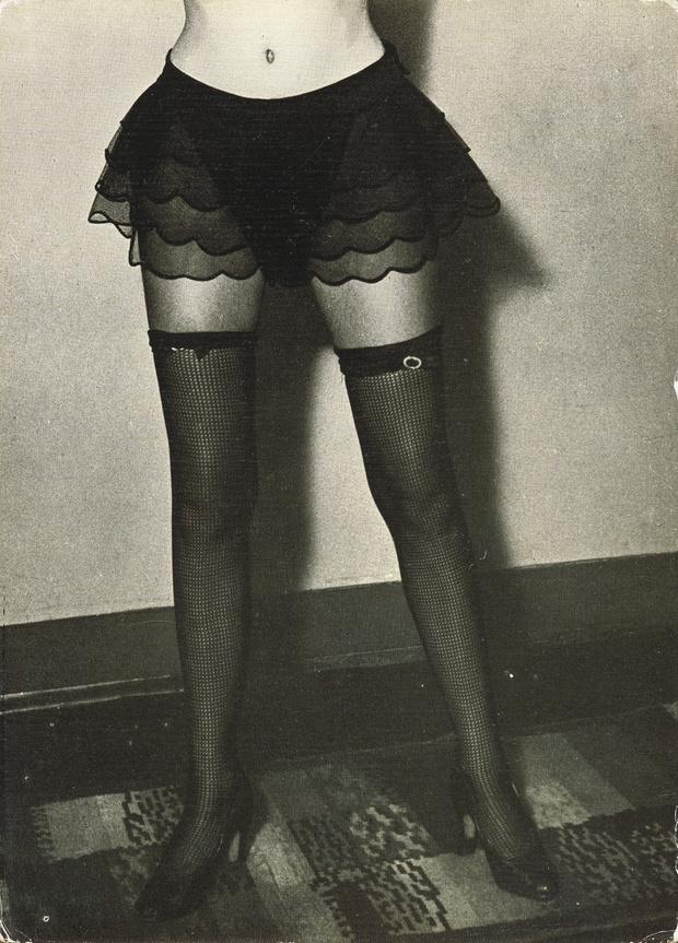 Фото №10 - Реклама фетишистского нижнего белья 1920-х годов