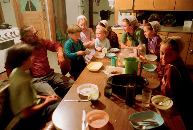 Как прожить без телевизоров, телефонов, кино, компьютеров и музыки? Спроси у амишей!