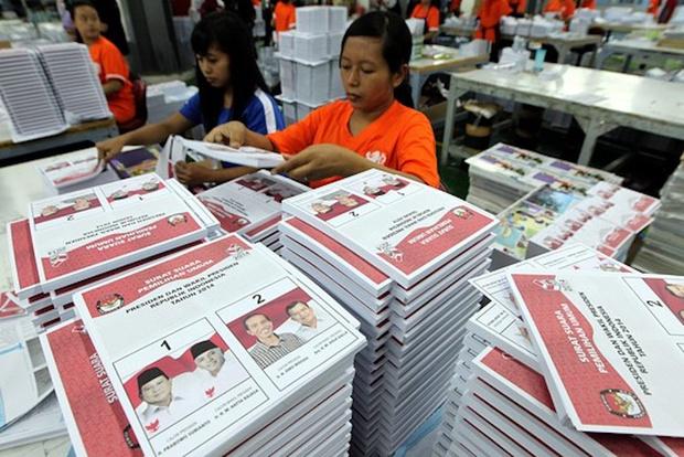 Фото №1 - В Индонезии во время выборов погиб 91 член избиркома. От переутомления