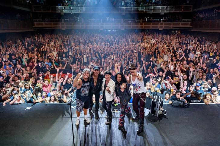 Фото №1 - The Scorpions отправляются в Crazy World Tour