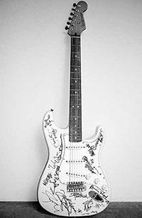 Фото №2 - Гитары Fender: теория суперструн