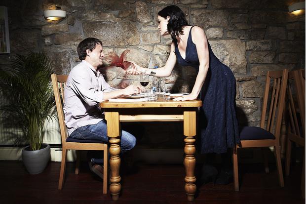 Фото №1 - Мужские правила ужина на первом свидании