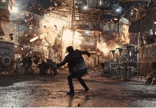 Кинг-Конг и Бэтмен! Крышесносный финальный трейлер фильма «Первому игроку приготовиться»