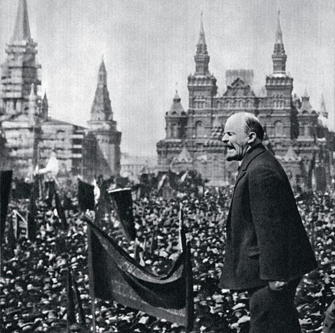 Фото №2 - От Чавеса до Лукашенко: каким бывает авторитаризм и почему у людей так легко сгибаются колени