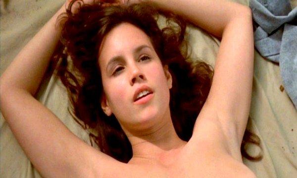Фото №5 - Топ-9 самых эротичных сцен в фильмах ужасов и триллерах