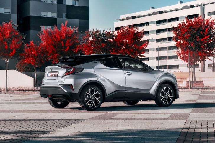 Фото №5 - Toyota C-HR: дизайн рулит