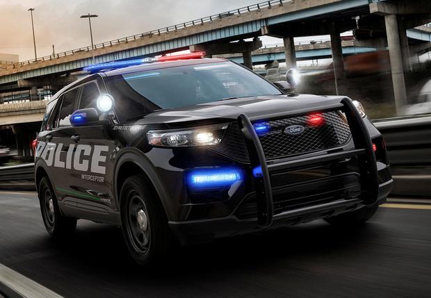 Фото №1 - Служить и догонять: на смену полицейскому седану приходит полицейский кроссовер