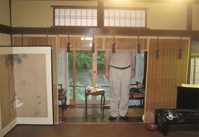 Фото №1 - Что бывает, когда в Японию приезжает слишком высокий человек (много фото)