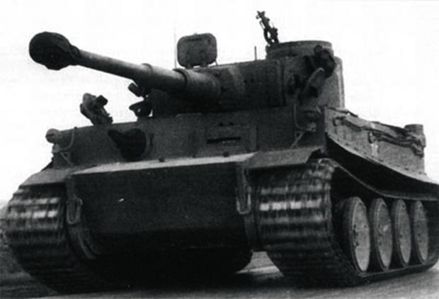 Впервые применен на фронте в районе станции Мга немецкий тяжелый танк Pz.VI «Тигр». 1944
