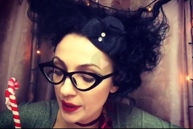 Фото №8 - Красивая и смешная! Питерская актриса Евгения Свиридова сразила нас веселыми видео и ямочками