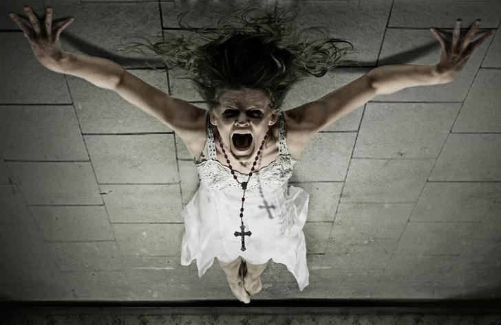 Фото №1 - Время менять профессию: Ватикан запустил курсы экзорцистов