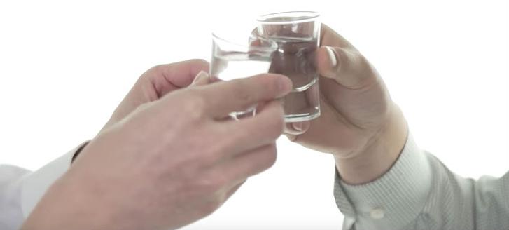 Фото №2 - Как пить с китайцами