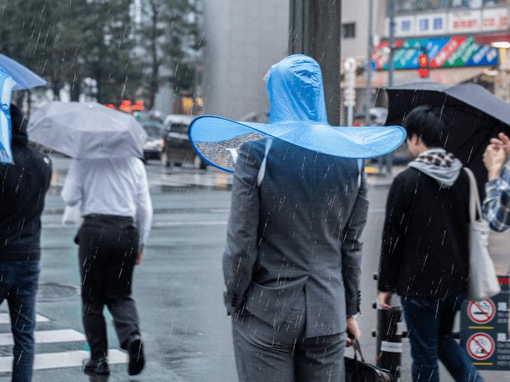 Фото №1 - Японский аналог зонта, которым почему-то никто не хочет пользоваться