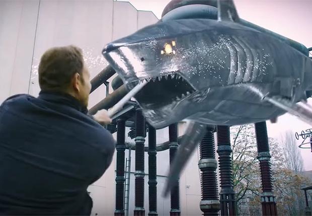Фото №1 - Никто не ожидал «Акулий торнадо» в шестой раз. А трейлер есть