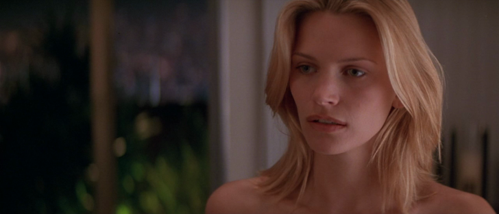 Фото №3 - Топ-9 самых эротичных сцен в фильмах ужасов и триллерах