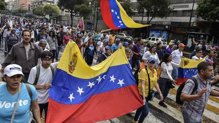 Фото №1 - Менсплейнинг: венесуэльский политический кризис