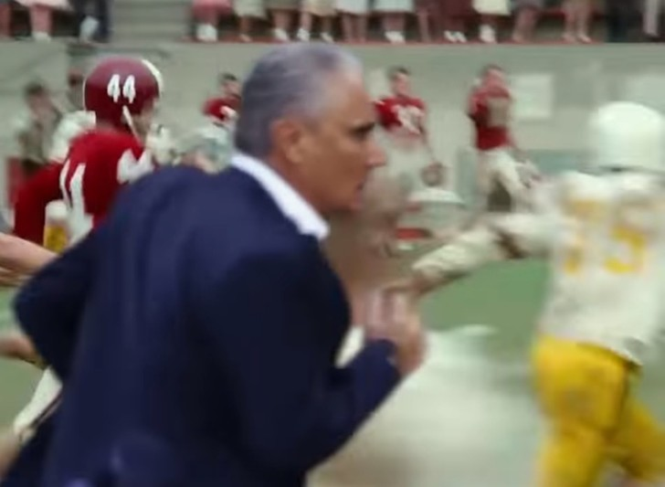 Фото №1 - «Беги, Тите, беги!» Ликующий тренер бразильцев превратился в мем в уморительном ВИДЕО