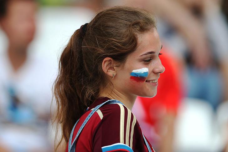 Фото №3 - Самые прекрасные русские болельщицы во Франции