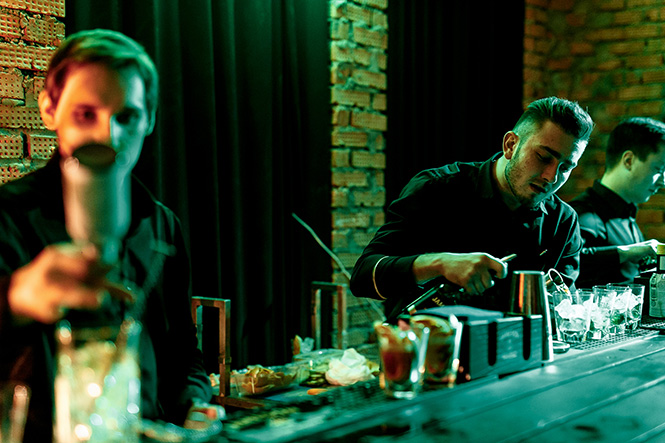 Где интеллектуально провести вечер четверга? Первая вечеринка Jameson Sips&Chips 2015