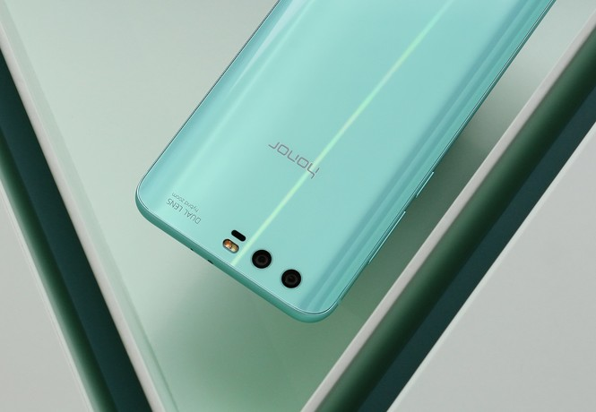 В ожидании весны: ярко-голубой Honor 9 Premium