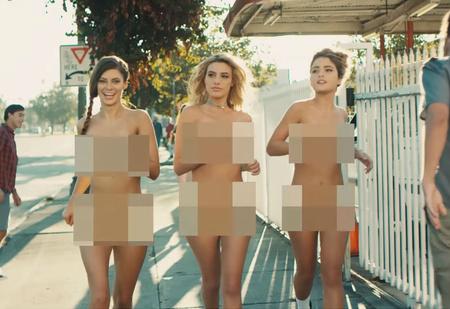 Обнаженные звезды «Инстаграма» в ремейке легендарного клипа Blink-182!