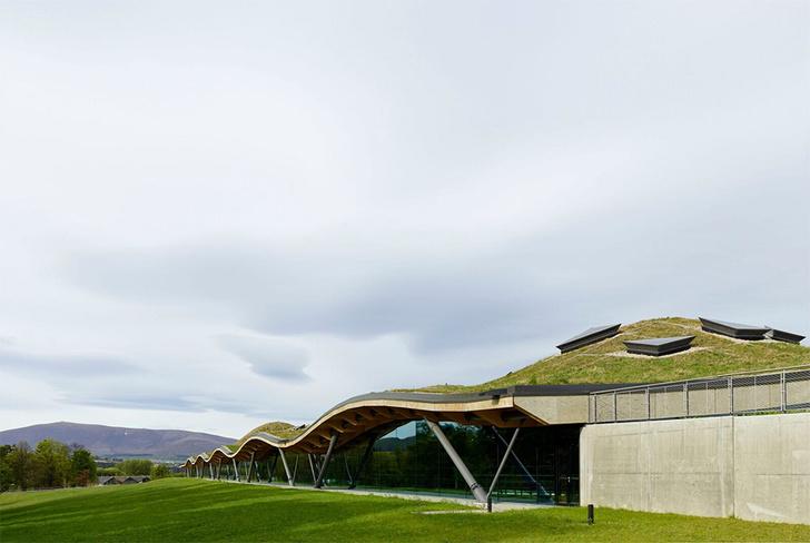 Фото №1 - The Macallan представил дистиллерию, центр для посетителей и лимитированный виски