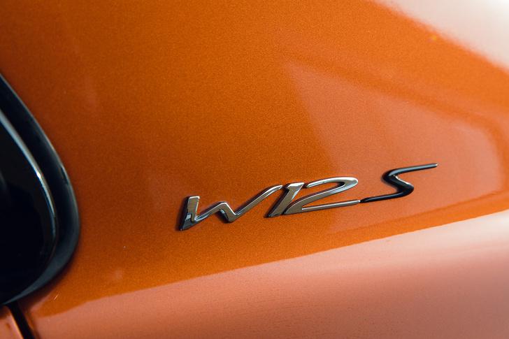 Фото №5 - Cамый быстрый четырехдверный Bentley в истории — Flying Spur W12 S