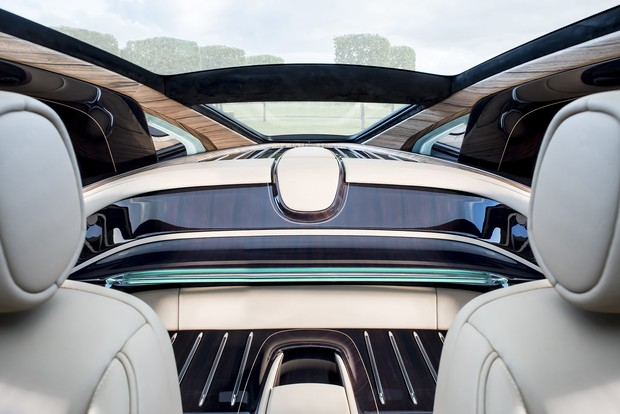 Фото №10 - Самый дорогой в мире Rolls-Royce построили для таинственного коллекционера
