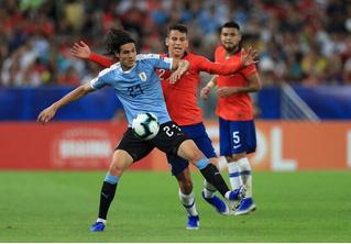 Фееричный гол Кавани принес победу сборной Уругвая (видео)