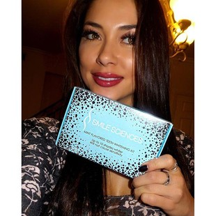 Who's ready for Memorial Day Weekend! I am with my @smilesciences teeth whitening kit! It's USA made, FDA registered and I love that it's sensitive free!  Get yours for Only $29 when you use my coupon...