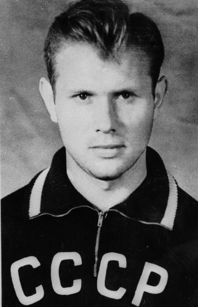 Фото №4 - Играл, выпил, в тюрьму: взлет и падение легенды советского футбола Эдуарда Стрельцова