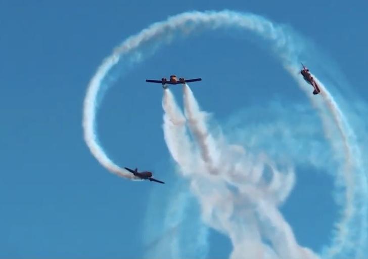 Фото №1 - Российские асы показали новую фигуру высшего пилотажа (видео)