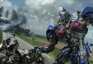 Роботы-драконы, фашисты-трансформеры и очень много взрывов. Первый трейлер «Трансформеров-5»