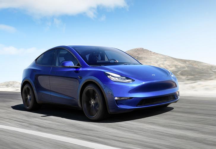 Фото №1 - Tesla Model Y: история  с именем
