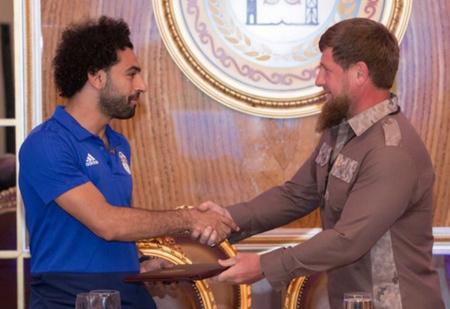 Чечня окружила таким вниманием египтянина Салаха, что он задергался