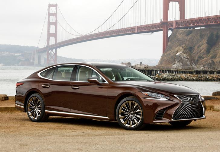 Фото №1 - Lexus LS — автомобиль, в котором сначала электрификация, а потом уже революция
