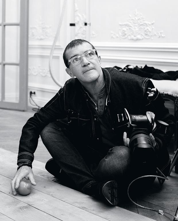 Фото №2 - Фотоотчет про то, как Антонио Бандерас Анну Седокову снимал
