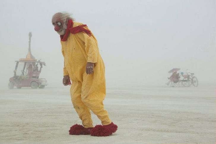 Фото №1 - Горячий Инстаграм! Специальный выпуск: посетительницы фестиваля Burning Man