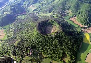 Вулкан Санта-Маргарида: потухший, но живописный