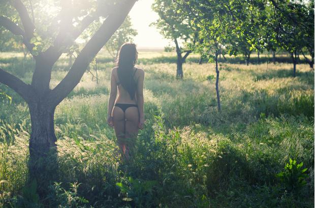 Фото №1 - Россиянки назвали самые необычные места, в которых они занимались сексом