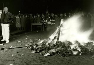 10 книг, которые должен сжечь каждый россиянин