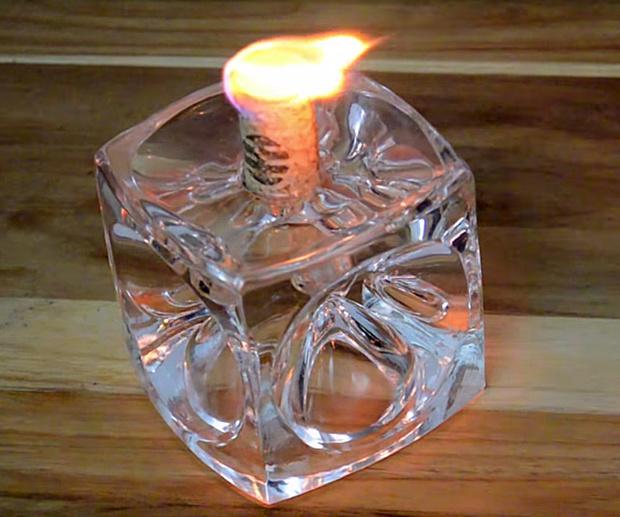 Свеча из винной пробки