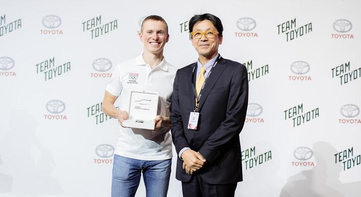 Фото №5 - Toyota объявила имя победителя Toyota Challenge Сup и наградила его автомобилем!