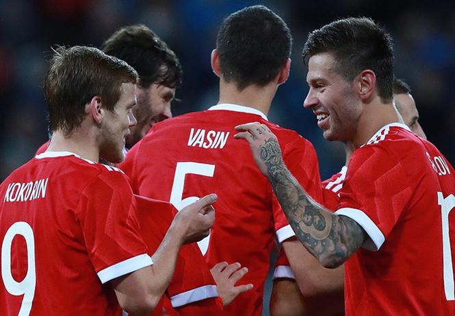 Сборная России по футболу примет участие в шоу-матче по CS: GO