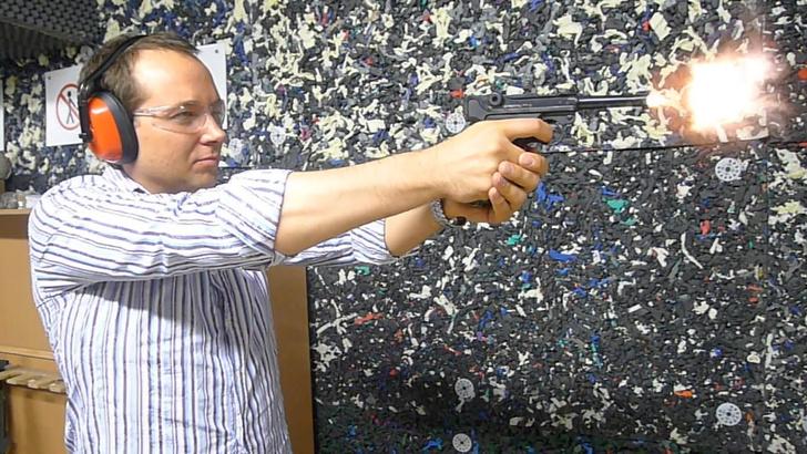Фото №11 - Каково это— стрелять из ППШ, маузера, нагана, винтовки Мосина и еще девяти видов огнестрельного оружия