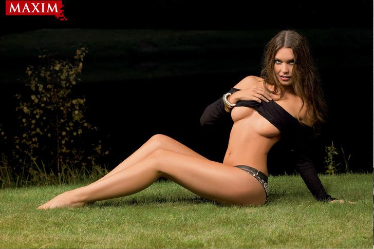 Фото №1 - Антипохмельная фотосессия №2. Юлия Югай из рекламы шампуня «Чистая линия»: «У меня четыре фишки: лицо, грудь, волосы и непосредственность»