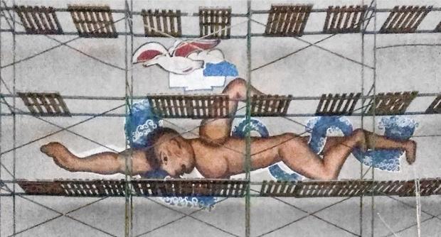 Фото №2 - После восстановления мозаика в Нижнем Новгороде превратилась в пародию