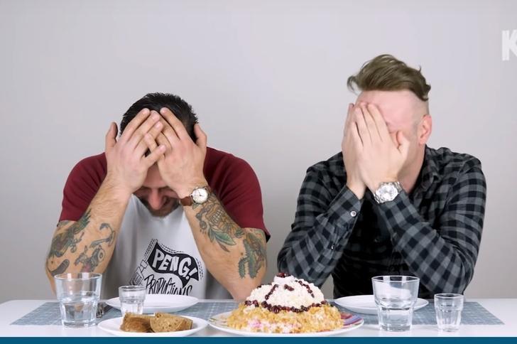 Фото №1 - Иностранцы впервые пробуют русские салаты и честно говорят, как им такое (видео)