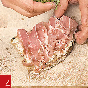 Фото №5 - Маслом внутрь! 4 самых простых мужских сэндвича