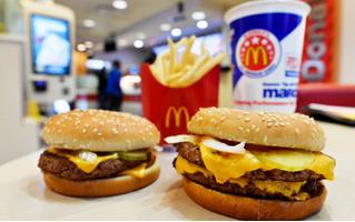 Владелец футбольного клуба угощал игроков в McDonald's в честь победы